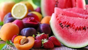 Tα 7 φρούτα που μπορούν να σας βοηθήσουν να χάσετε βάρος