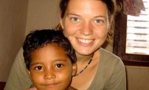Μητέρα 200 ορφανών: η 23χρονη που αποφάσισε να αλλάξει τον κόσμο και το έκανε πράξη