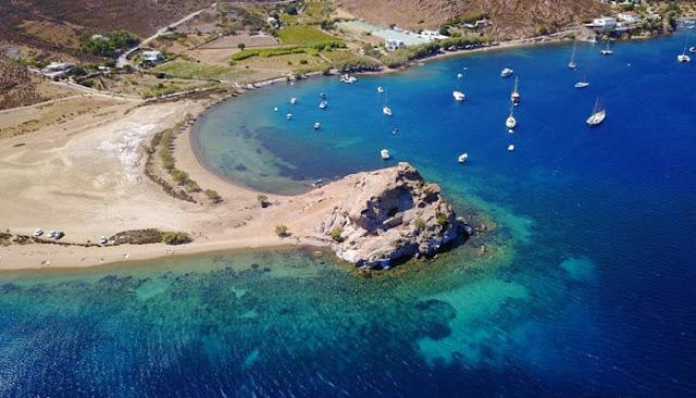 Η παραλία της Πάτμου όπου κάποτε λειτουργούσε ερημητήριο
