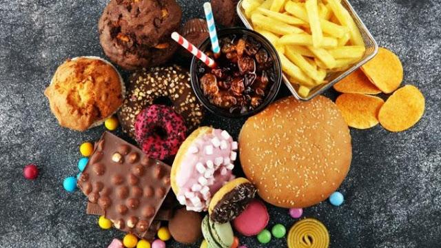 Read more about the article Αυτές είναι οι 10+1 πιο καρκινογόνες τροφές που πρέπει να αποφεύγετε!