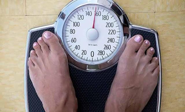 Έτσι πρέπει να ζυγιζόμαστε για να υπολογίζουμε σωστά το βάρος μας