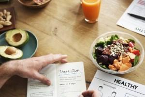 "Read more about the article Η ""Δίαιτα των 8 ωρών"" που συνιστούν όλοι οι γιατροί"