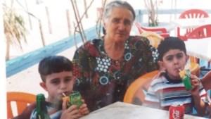 Στα 60 της γέννησε, στα 70 της είχε δίδυμα 10 χρονών και στα 83 της χαίρεται μαζί τους!
