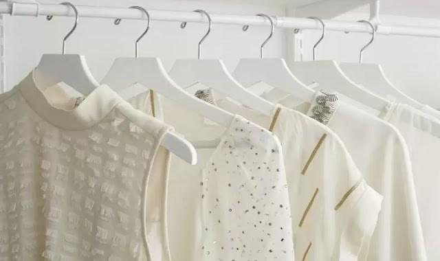 Διατηρήστε τη λευκότητα των ρούχων σας