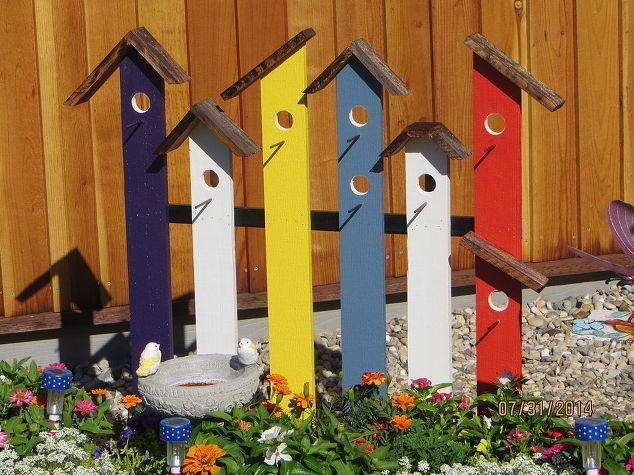 χρησιμοποιήστε τη φαντασία και τα χρώματα που θέλετε για να φτιάξετε σπίτια για πουλιά