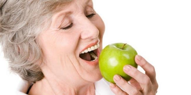 Γυναίκες μετά τα 50: Πως θα χάσετε εύκολα και γρήγορα τα περιττά κιλά