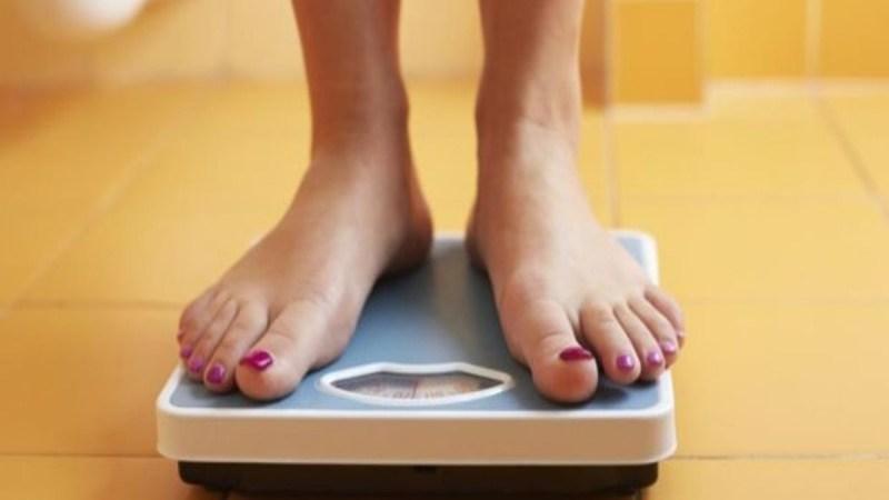 Ο απλός τρόπος για να χάνετε ένα κιλό κάθε μήνα