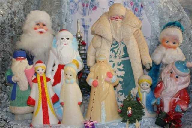 Ο Άγιος Βασίλης κάτω από το δέντρο