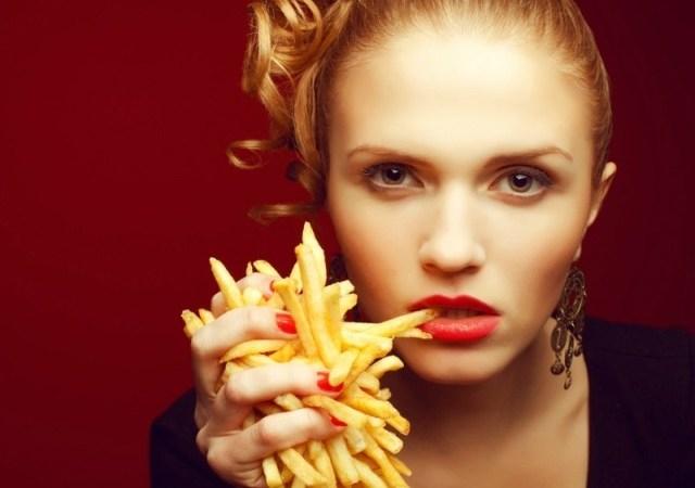 Τροφές που πρέπει να σταματήσεις να τρως το βράδυ