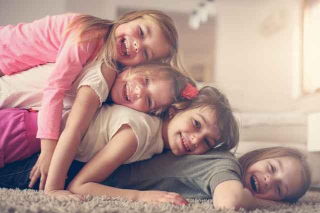 Read more about the article Πόση παιδικότητα κρύβουν τα ζώδια μέσα τους