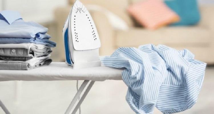 Βάλτε το σίδερο στην ντουλάπα – Δείτε πώς θα σιδερώνετε από εδώ και πέρα τα τσαλακωμένα ρούχα σας