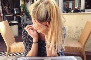 8 συχνά λάθη που κάνουμε ΟΛΕΣ οι γυναίκες όταν φλερτάρουμε