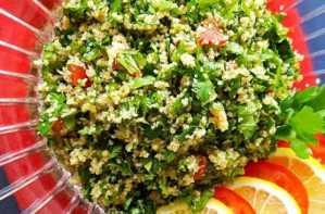 Read more about the article Χορταστική και αποτοξινωτική σαλάτα που ισοδυναμεί με ένα γεύμα!