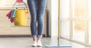Read more about the article Ένα πράγμα που έχεις στη ντουλάπα μειώνει τον χρόνο που καθαρίζεις το σπίτι σου, στο μισό