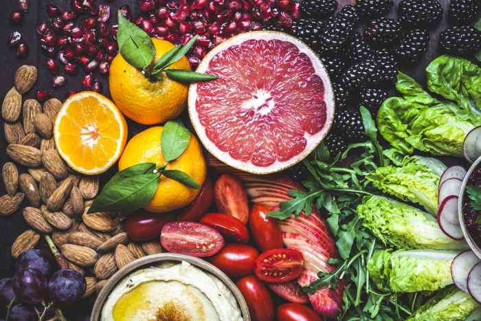 Αυτό που τρώτε έχει άμεσο αντίκτυπο στον τρόπο που αισθάνεστε.