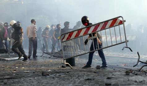 15 ottobre, il corteo di popolo, il tumulto no future e lo Stato di polizia