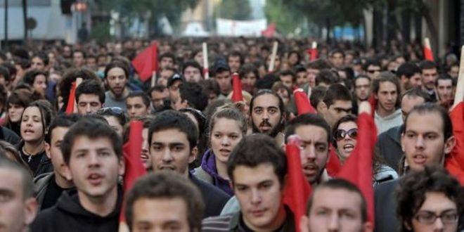 Spagna, la «ola» indignata