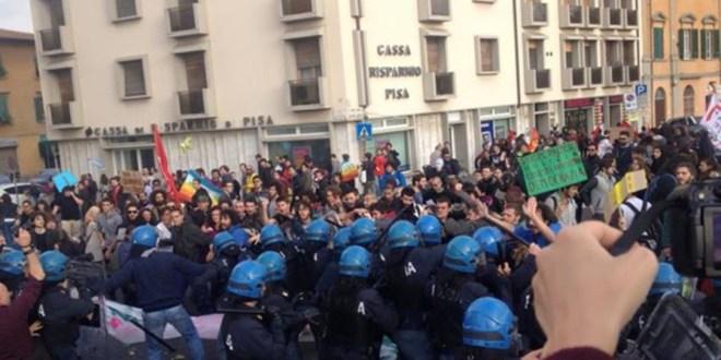 """Nella """"democratica"""" Pisa le diffide ad ultras e cortei politici"""