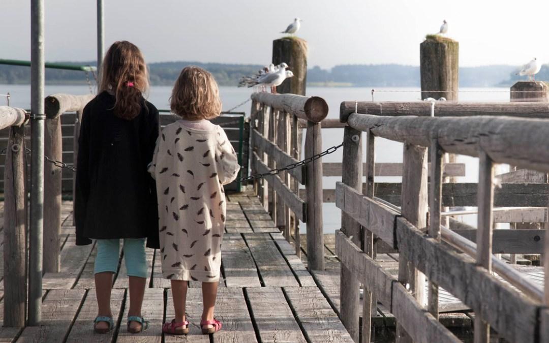 Alternativa nomade in viaggio per quattro famiglie