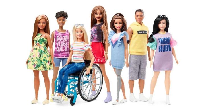 Arriva la Barbie su sedia a rotelle e con le protesi