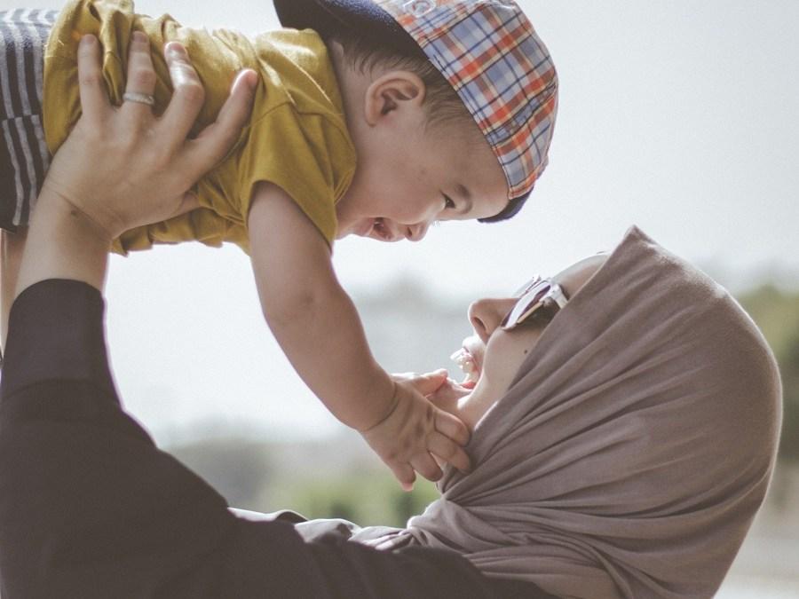 Le equilibriste: il report di Save the Children sulle mamme in Italia