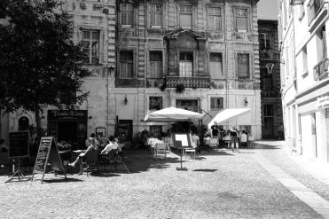 Mittags in Avignon in der Sonne