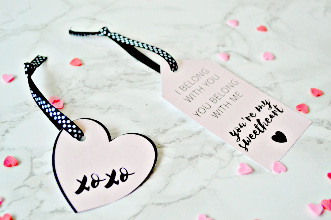 Valentines gift tags - Girl about townhouse