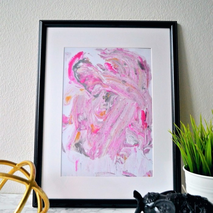 Marbled print girl about townhouse