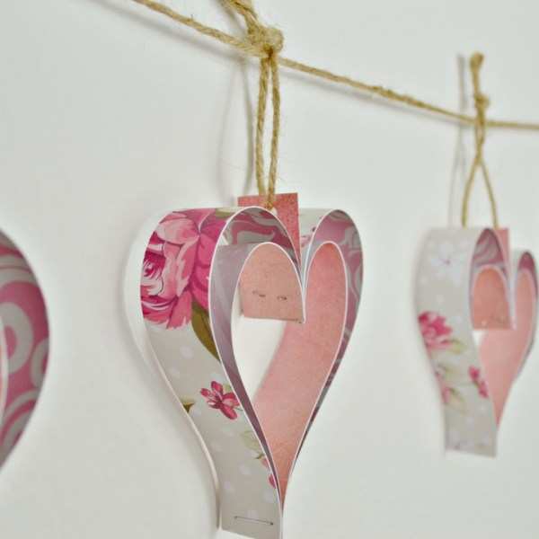Paper heart decorations garland tutorial