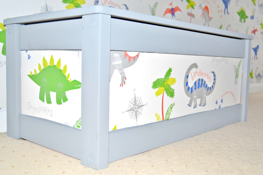 Easy DIY projects: Upcycling a toy box