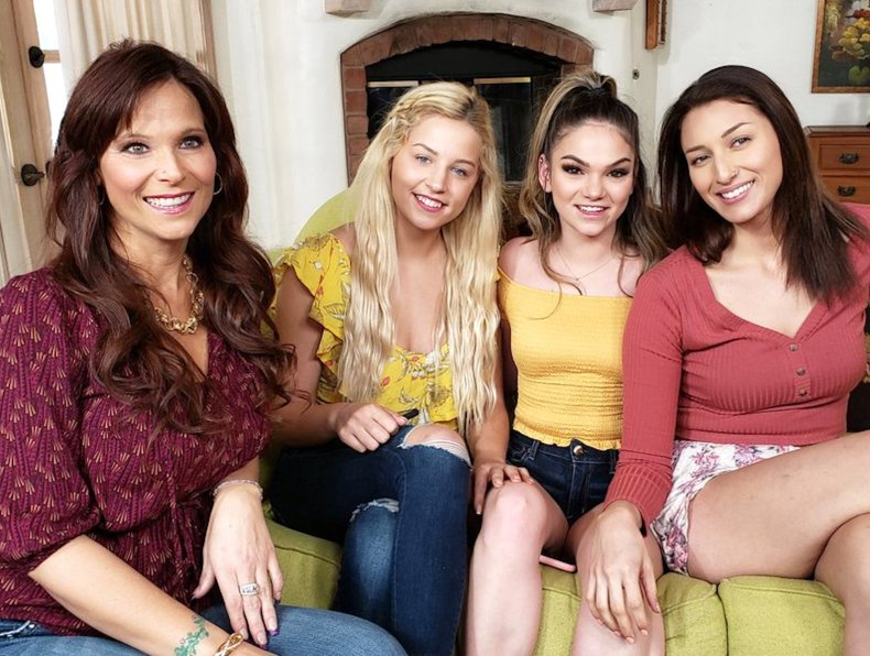 Cast of Women Seeking Women 166