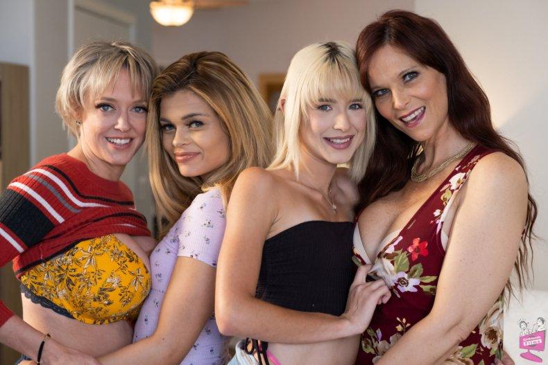 Cast of Mother-Daughter Exchange Club 62