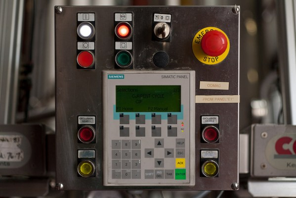 Control Panel - Foto di Matt Peoples