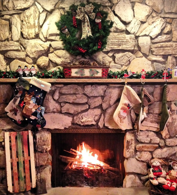 Tips and ideas for creating holiday decor traditions for your family during the Christmas season so you can create memories decorating the entire house!