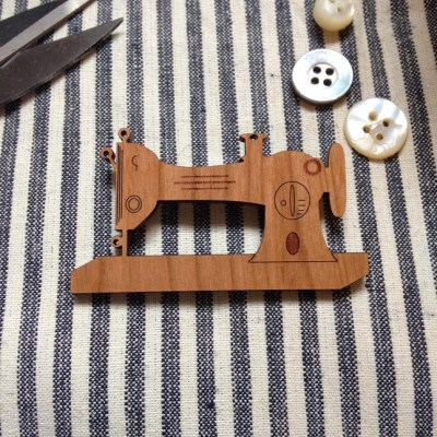 Bamboo sewing brooch