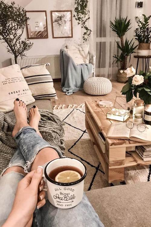 37 Genius College Apartment Living Room Ideas To Make Your Room Cute And Bigger Girl Shares Tips