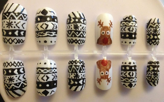 Hand Painted Nails Christmas Reindeer Design