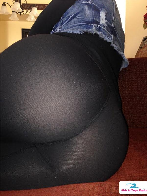 7 Amazing New Pics From The Cougar Including Some SeeThrough Yoga Pants Yoga Pants Girls In