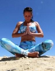 Monique Rotteveel Activewear Surf en Yoga top en legging Ocean