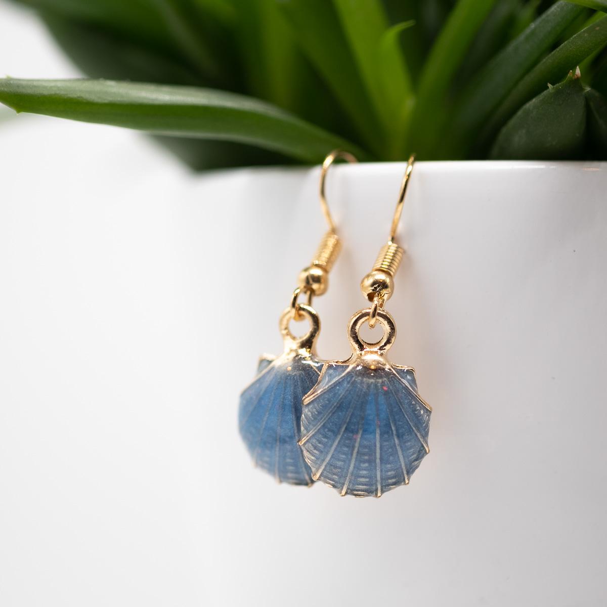 ORB-003 blauwe schelpen oorbellen