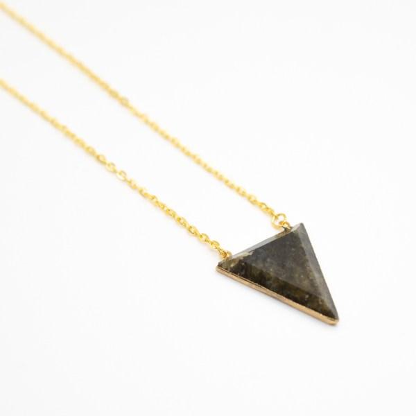 KET-029 labradoriet ketting driehoek goud
