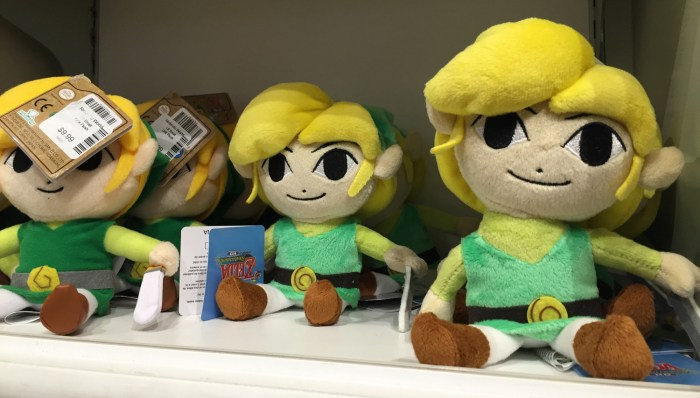 Toon Link plushies at the Nintendo World Store in NYC © Leah Jewer / Girls on Games