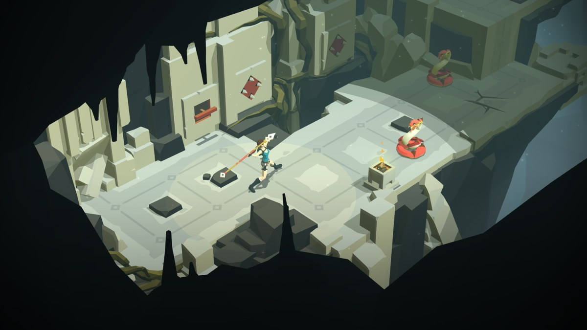 Throw that spear Lara - Lara Croft GO screenshot - Square Enix