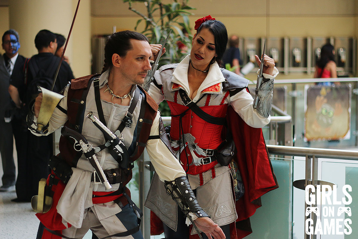 Edward Kenway and Female Ezio cosplay at Fan Expo 2015