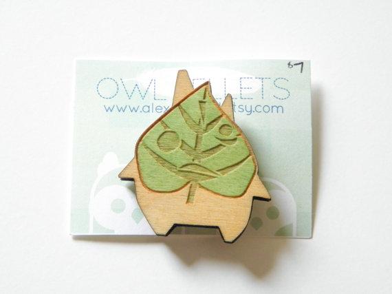 Makar wood lasercut pin brooch - Legend of Zelda Wind Waker