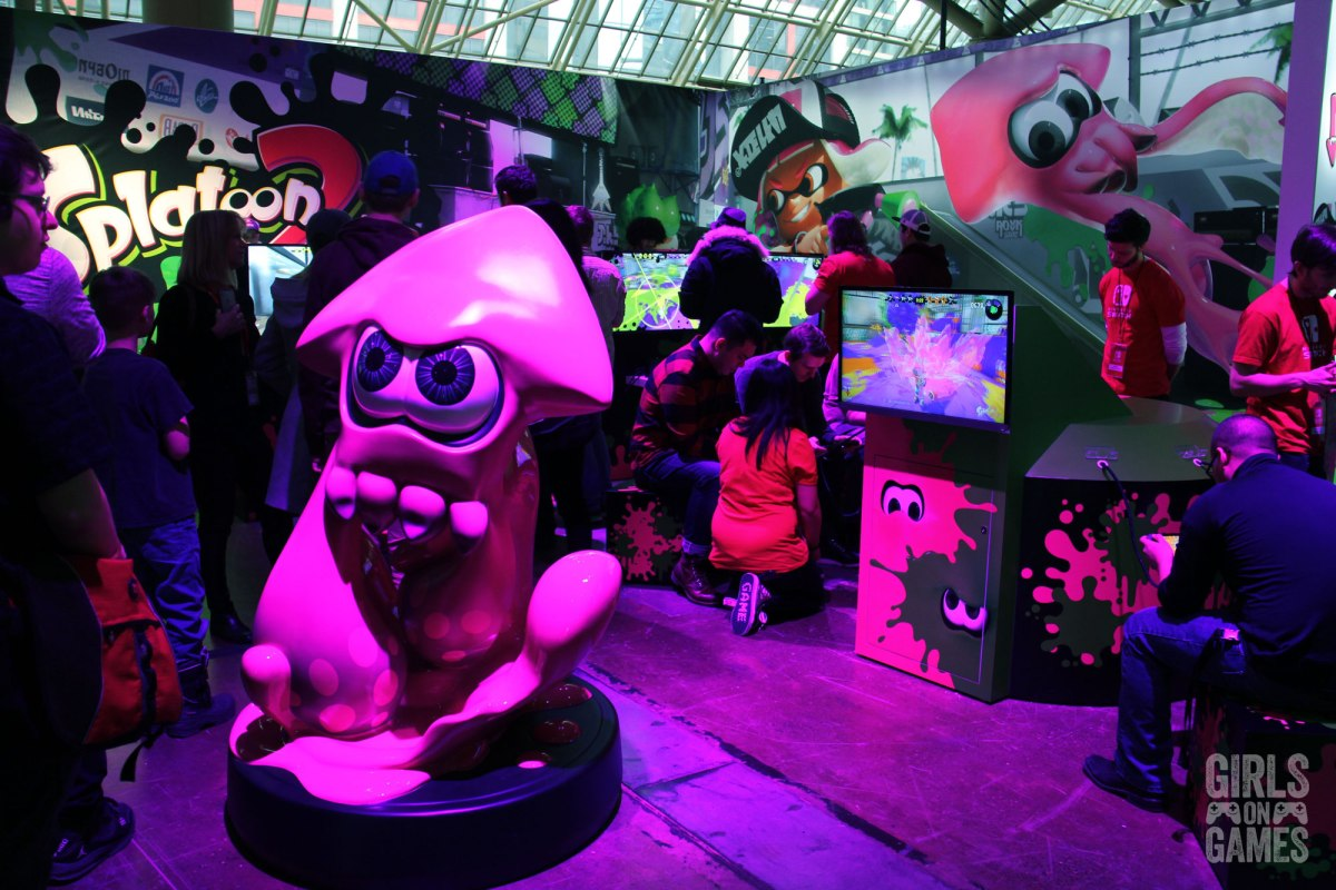 Attendees play Splatoon 2 at the Nintendo Switch event in Toronto. Photo: Leah Jewer / Girls on Games