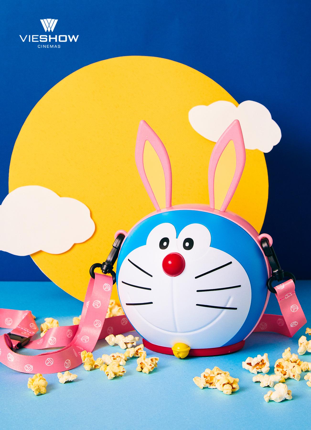 萌度徹底淪陷啊~童年的回憶哆啦A夢變身造型月兔。威秀影城獨賣電影限定周邊。抱著一隻哆啦A夢趴趴走簡直 ...