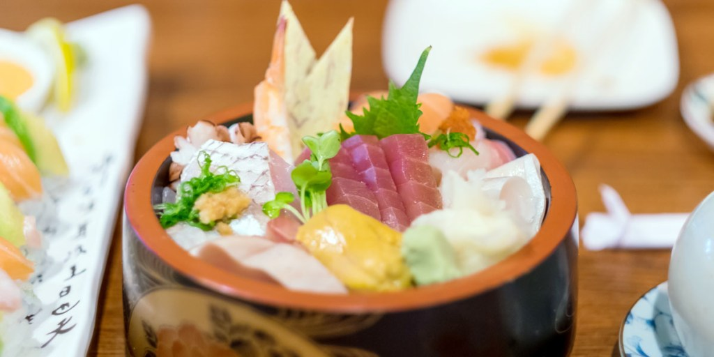 foods for healthy skin - Chirashizushi - Japan