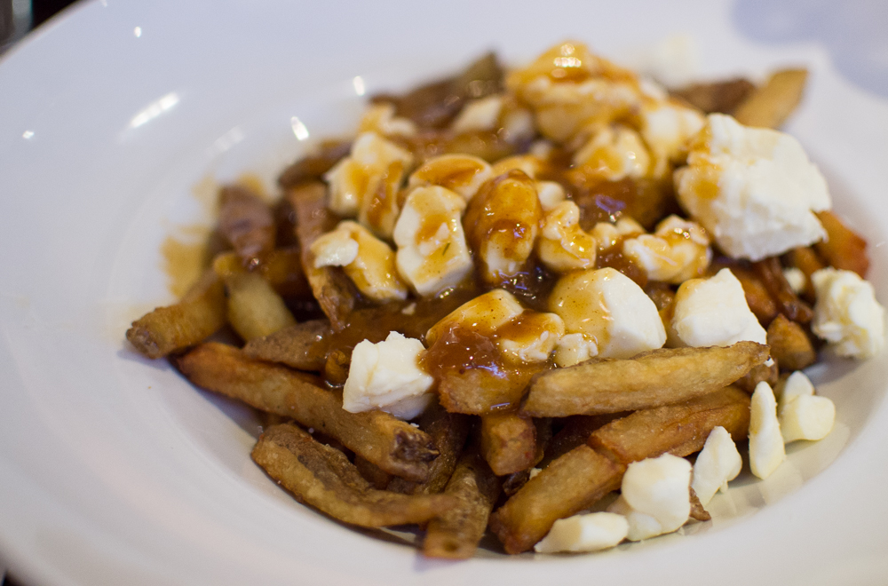 Food to try in Canada_poutine