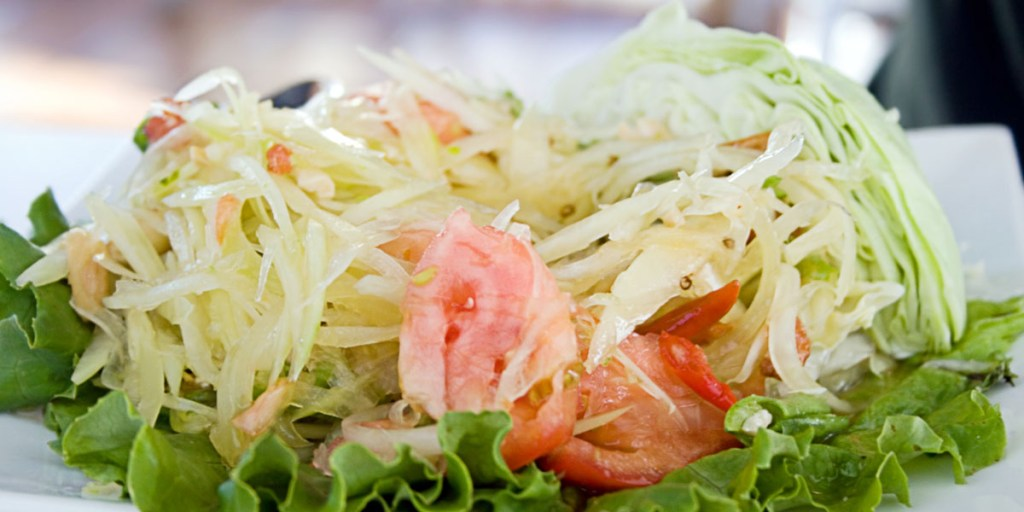 foods for healthy skin - Som Tam Thai green papaya salad